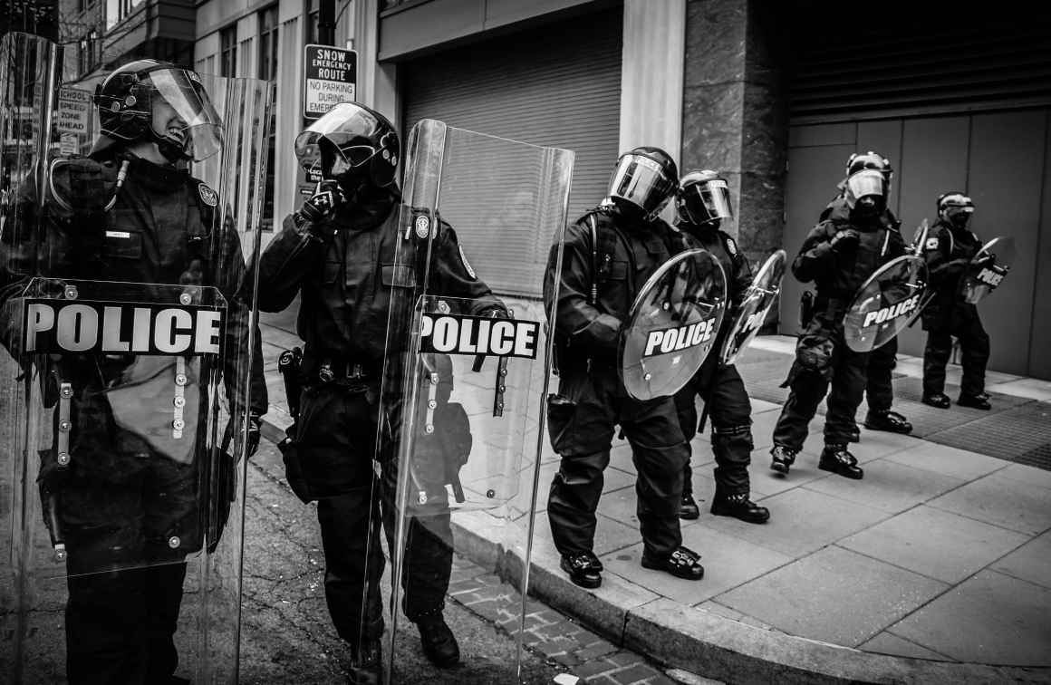 police_riot_gear_unsplash_spenser-h_0
